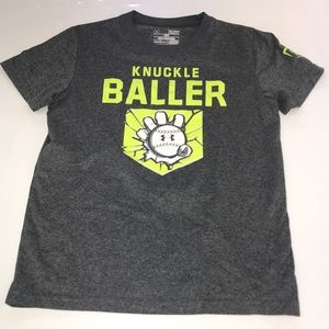 Little boys Under Armour T-Shirt Size Youth Small